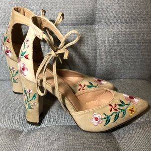 Suede Floral Embroidered Chunky Heels Size 7.5